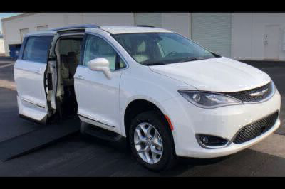 Used Wheelchair Van for Sale - 2017 Chrysler Pacifica Touring-L Plus Wheelchair Accessible Van VIN: 2C4RC1EG4HR720784