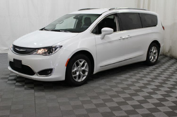 2018 Chrysler Pacifica Touring L Wheelchair Van For Sale #9