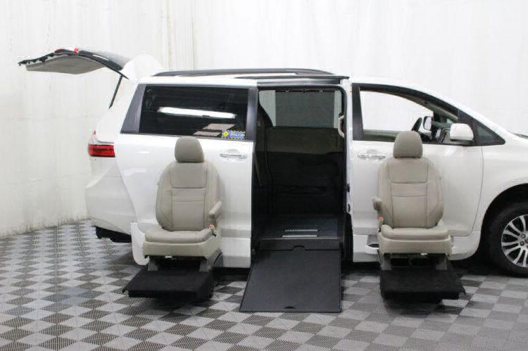 2018 Toyota Sienna XLE Wheelchair Van For Sale #11