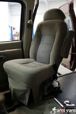 2005 Ford E-Series Chassis Wheelchair Van For Sale -- Thumb #8