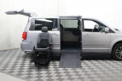2017 Dodge Grand Caravan Wheelchair Van For Sale -- Thumb #11
