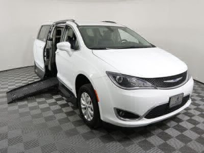 Handicap Van for Sale - 2019 Chrysler Pacifica Touring L Wheelchair Accessible Van VIN: 2C4RC1BG0KR609175