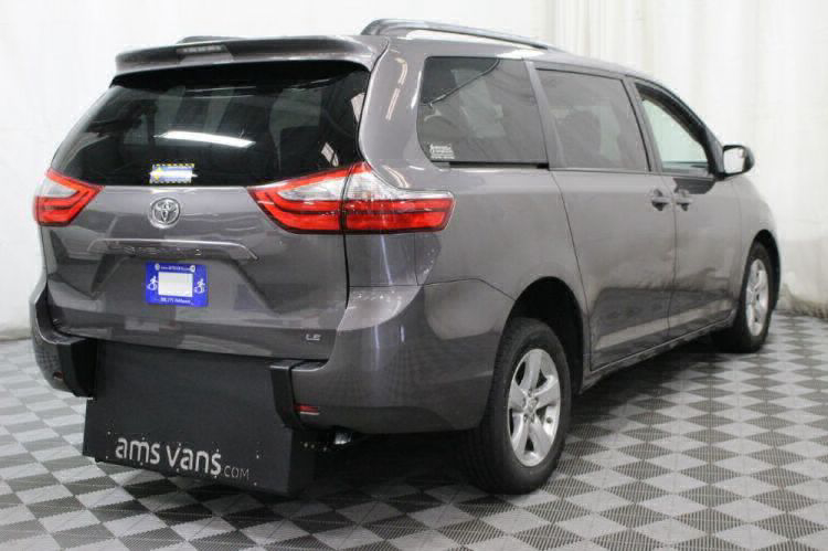 2017 Toyota Sienna LE Wheelchair Van For Sale #9