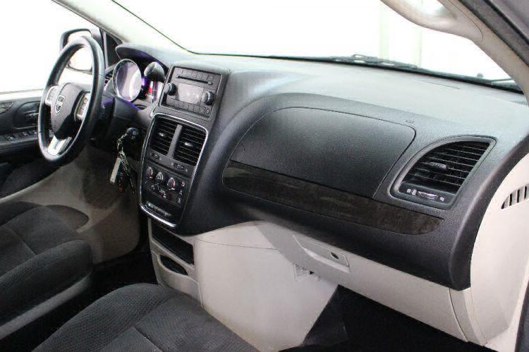 2013 Dodge Grand Caravan SXT Wheelchair Van For Sale #32