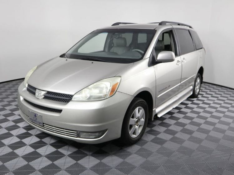 2004 Toyota Sienna XLE Wheelchair Van For Sale #2