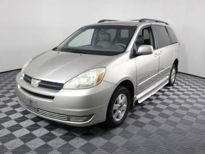 2004 Toyota Sienna Wheelchair Van For Sale -- Thumb #2