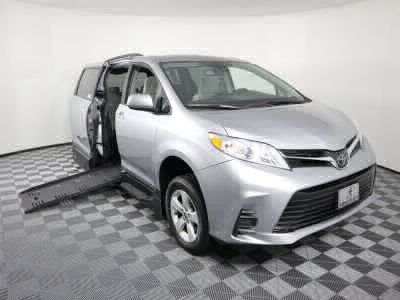Handicap Van for Sale - 2018 Toyota Sienna LE Wheelchair Accessible Van VIN: 5TDKZ3DC3JS927934