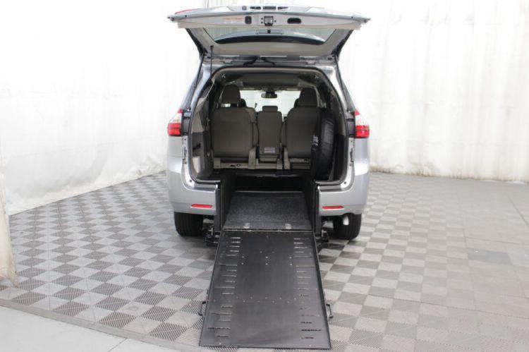2019 Toyota Sienna XLE Wheelchair Van For Sale #2