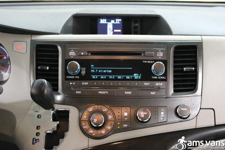 2011 Toyota Sienna LE Wheelchair Van For Sale #20