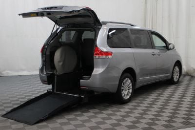 Used Wheelchair Van for Sale - 2014 Toyota Sienna XLE Wheelchair Accessible Van VIN: 5TDYK3DCXES459074
