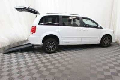 Commercial Wheelchair Vans for Sale - 2017 Dodge Grand Caravan GT ADA Compliant Vehicle VIN: 2C4RDGEG7HR698070