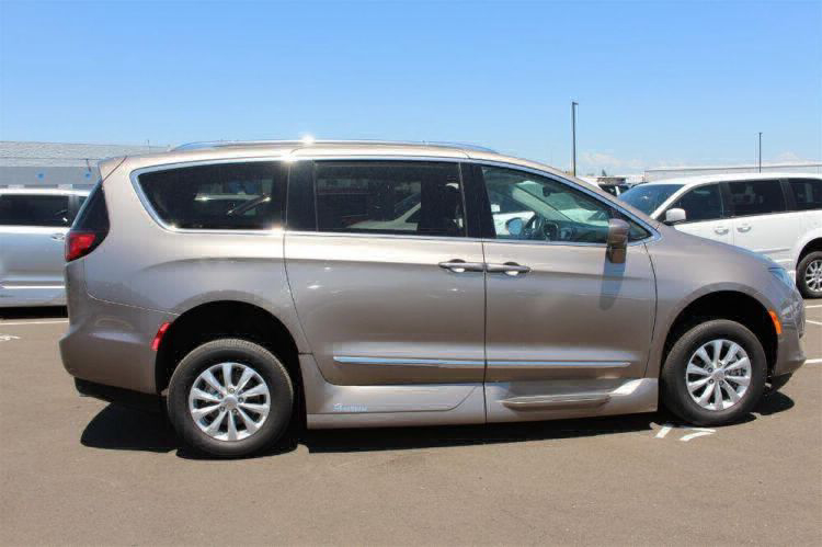 2018 Chrysler Pacifica Touring L Wheelchair Van For Sale #10