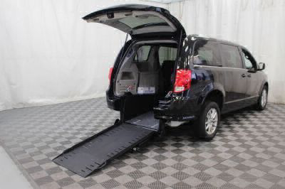 Commercial Wheelchair Vans for Sale - 2019 Dodge Grand Caravan SXT ADA Compliant Vehicle VIN: 2C4RDGCG9KR544101