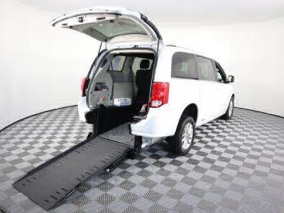 Commercial Wheelchair Vans for Sale - 2018 Dodge Grand Caravan SXT ADA Compliant Vehicle VIN: 2C4RDGCG5JR300055