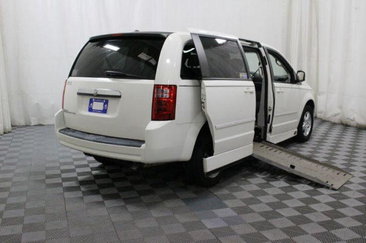 2008 Dodge Grand Caravan SXT Wheelchair Van For Sale #3