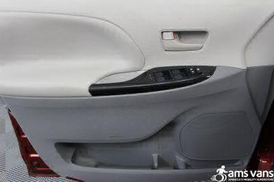 2013 Toyota Sienna Wheelchair Van For Sale -- Thumb #15