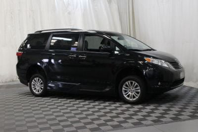 2016 Toyota Sienna Wheelchair Van For Sale -- Thumb #5