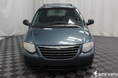 2005 Chrysler Town and Country Wheelchair Van For Sale -- Thumb #5