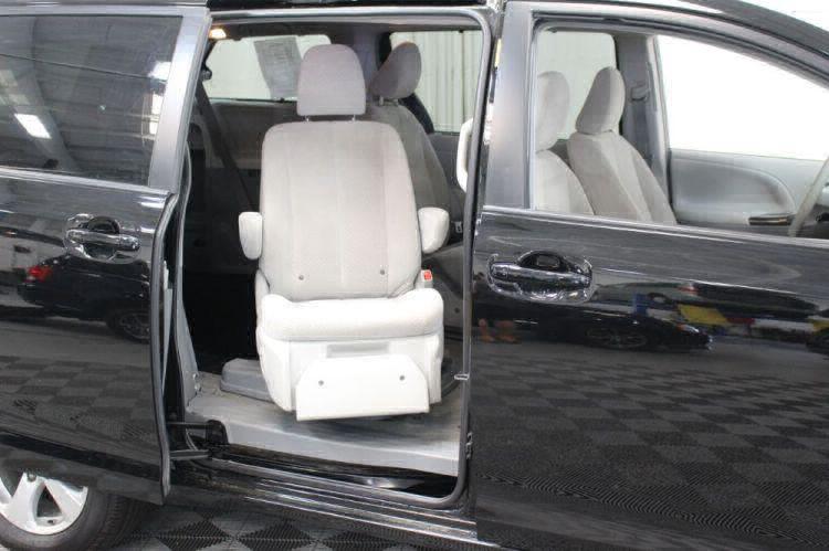 2014 Toyota Sienna LE Wheelchair Van For Sale #39