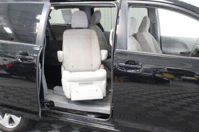 2014 Toyota Sienna Wheelchair Van For Sale -- Thumb #39