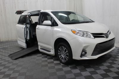 Commercial Wheelchair Vans for Sale - 2018 Toyota Sienna XLE Premium ADA Compliant Vehicle VIN: 5TDYZ3DC3JS940418