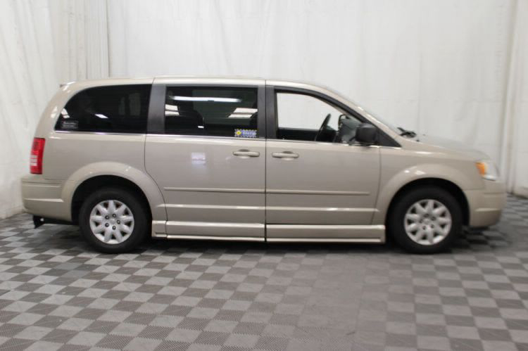 2009 Chrysler Town and Country LX Wheelchair Van For Sale #26