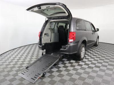 Commercial Wheelchair Vans for Sale - 2019 Dodge Grand Caravan SE ADA Compliant Vehicle VIN: 2C4RDGBGXKR553472