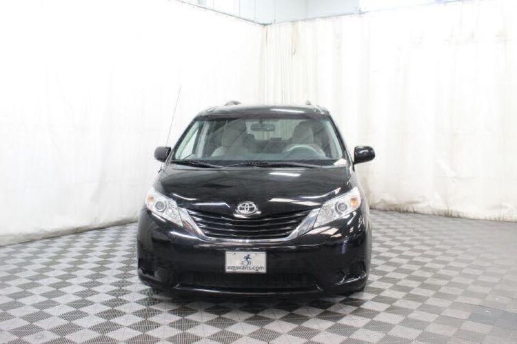 2014 Toyota Sienna LE Wheelchair Van For Sale #12
