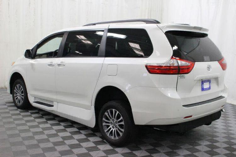 2018 Toyota Sienna XLE Wheelchair Van For Sale #17