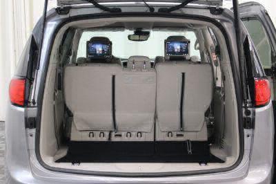 2017 Chrysler Pacifica Wheelchair Van For Sale -- Thumb #6