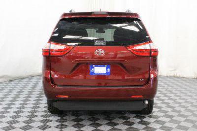 2018 Toyota Sienna Wheelchair Van For Sale -- Thumb #19