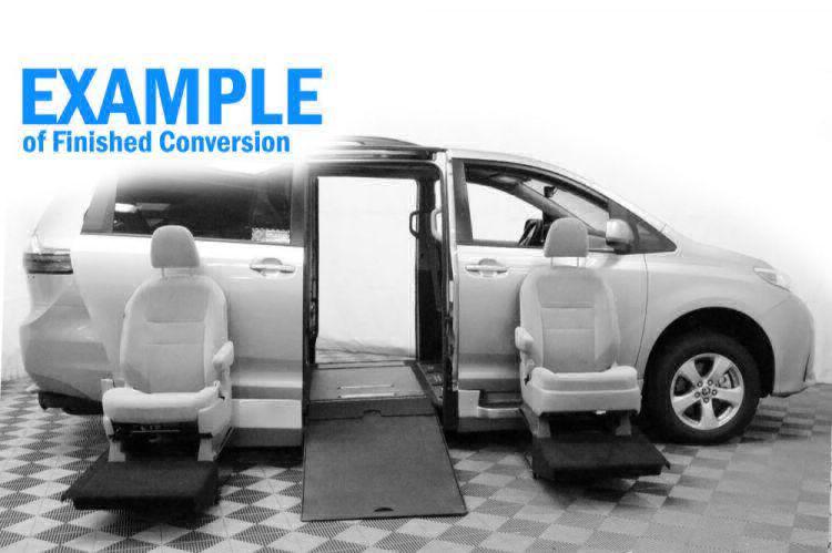 2019 Toyota Sienna XLE Wheelchair Van For Sale #11