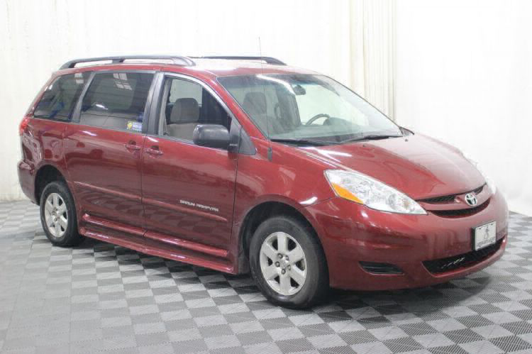 2010 Toyota Sienna LE Wheelchair Van For Sale #14