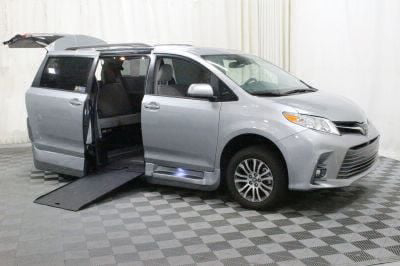 Commercial Wheelchair Vans for Sale - 2018 Toyota Sienna XLE ADA Compliant Vehicle VIN: 5TDYZ3DC5JS935656