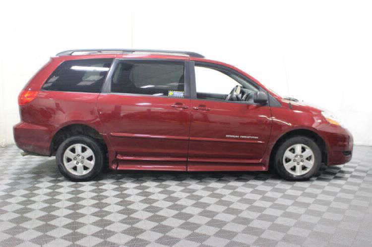 2010 Toyota Sienna LE Wheelchair Van For Sale #15
