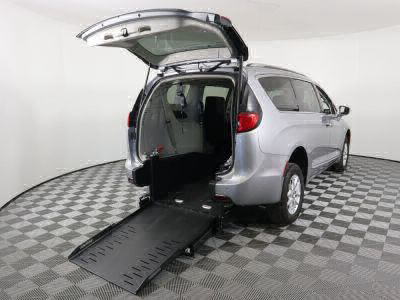 Commercial Wheelchair Vans for Sale - 2020 Chrysler Pacifica Touring L ADA Compliant Vehicle VIN: 2C4RC1BG3LR115670