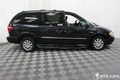 2004 Chrysler Town and Country Wheelchair Van For Sale -- Thumb #15