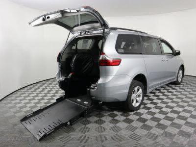Commercial Wheelchair Vans for Sale - 2020 Toyota Sienna LE ADA Compliant Vehicle VIN: 5TDKZ3DC7LS057527