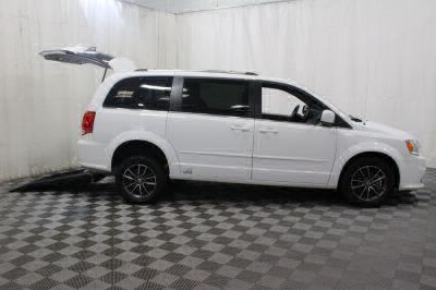 Commercial Wheelchair Vans for Sale - 2017 Dodge Grand Caravan SXT ADA Compliant Vehicle VIN: 2C4RDGCG9HR799811