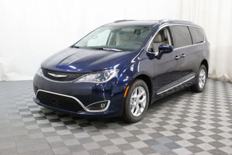2017 Chrysler Pacifica Touring-L Plus Wheelchair Van For Sale #20