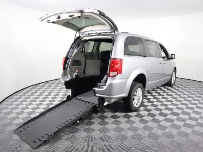 Commercial Wheelchair Vans for Sale - 2018 Dodge Grand Caravan SXT ADA Compliant Vehicle VIN: 2C4RDGCG7JR264188