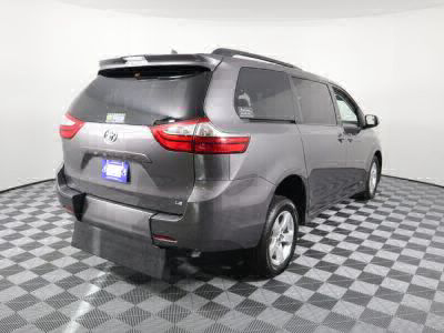2018 Toyota Sienna Wheelchair Van For Sale -- Thumb #7
