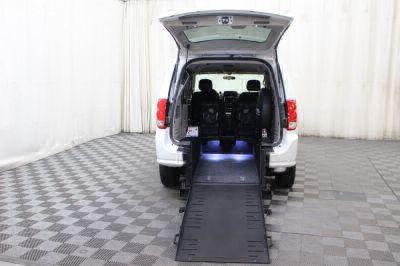 2015 Dodge Grand Caravan Wheelchair Van For Sale -- Thumb #2
