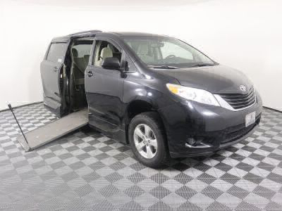 Used Wheelchair Van for Sale - 2015 Toyota Sienna LE 8-Passenger Wheelchair Accessible Van VIN: 5TDKK3DC0FS558428