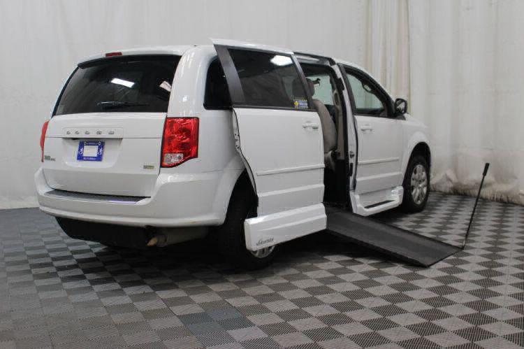 2015 Dodge Grand Caravan SE Wheelchair Van For Sale #3