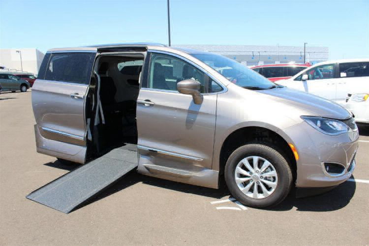 2018 Chrysler Pacifica Touring L Wheelchair Van For Sale #1