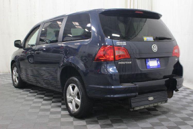 2009 Volkswagen Routan SE Wheelchair Van For Sale #8