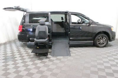 2017 Dodge Grand Caravan Wheelchair Van For Sale -- Thumb #16