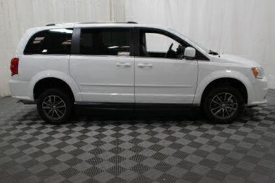 2017 Dodge Grand Caravan Wheelchair Van For Sale -- Thumb #14