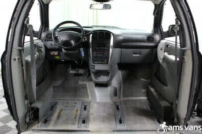 2004 Chrysler Town and Country Wheelchair Van For Sale -- Thumb #9
